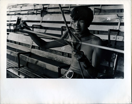 Paul Wong making a 'God's eye' at Stadium Gallery, 1971, Courtesy of Paul Wong